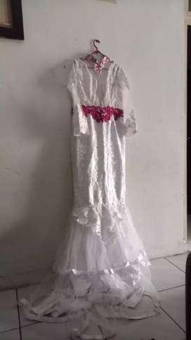 Jual gaun kebaya putih plus payet