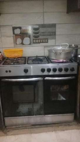 Oven with 5 stove