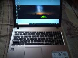 ASUS AMD E1 Laptop