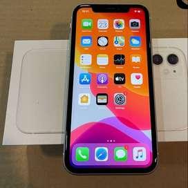 box piece i phone 11 white new condition  all accessories warranty ava