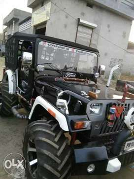 Black open jeep