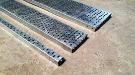 Cable tray, and floor boxes