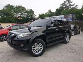 Fortuner V 4x4 metic bensin 2011 warna hitam. Kondisi Istimewa