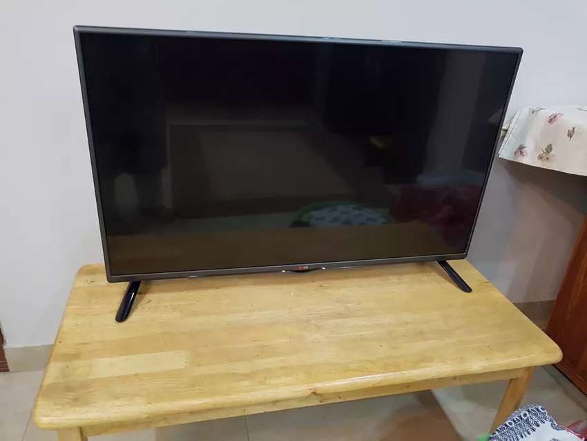 LG 42' FULL HD LED TV