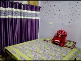 1 room set is available for rent