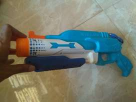 Water gun spray toy