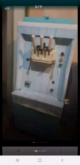 Ice cream machine with 3 flavour 12 chamber
