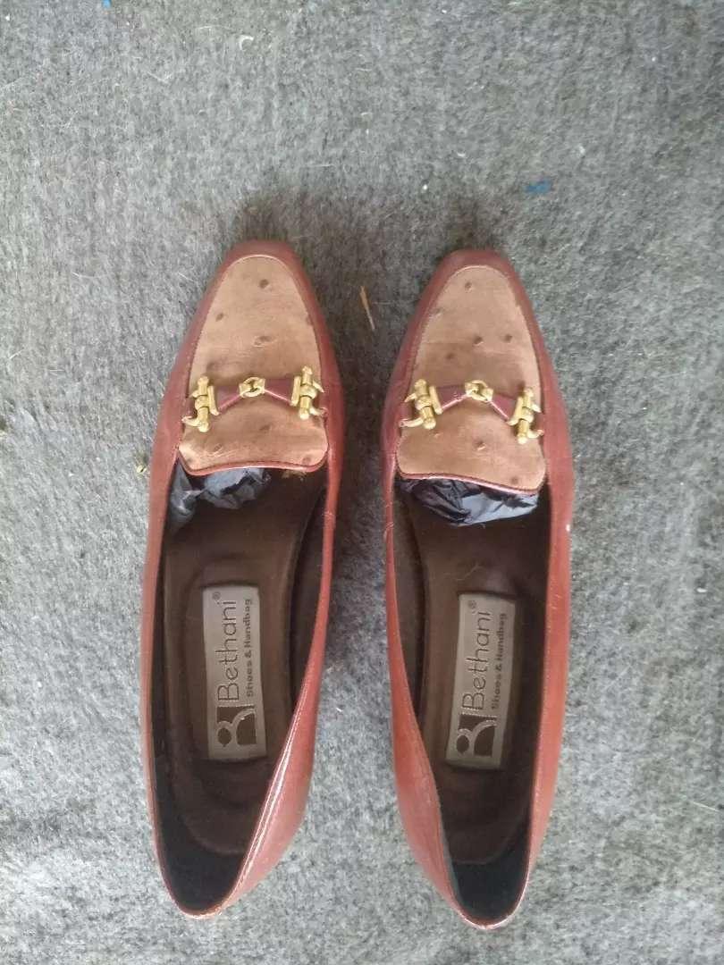 Sepatu wanita merek bethani