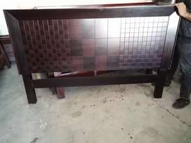 Double bed without side table