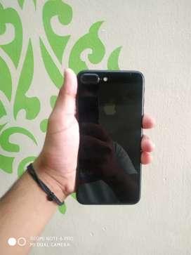 iphone 7 plus jet black colour only phone 128Gb