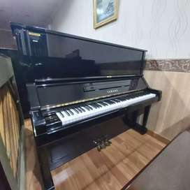 Piano Yamaha UX Upright Piano Klasik Akustik Second Seken Bekas