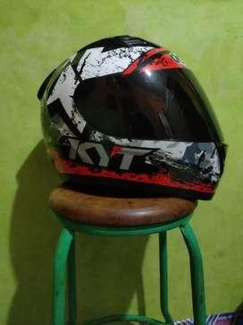 Dijual Helm KYT R10 #3 BLACK WHITE RED FLUO