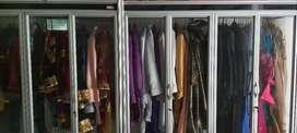 Etalase pakaian etalase kecil
