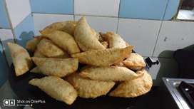 diwali faral homemade with good quality oil and ingredients