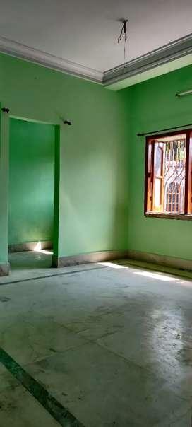 1 bhk hause for rent at kestopur hanapara,family bechlors are allowed