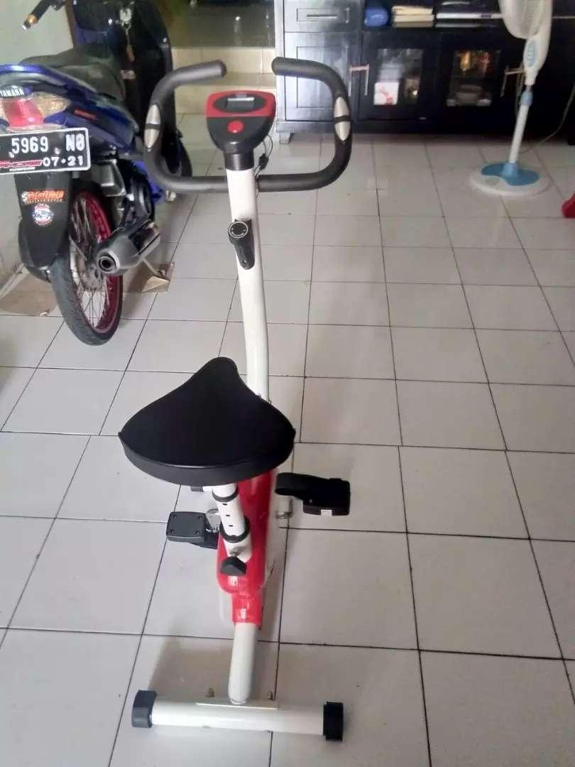 Promo..sepeda statis belt fitnes 8215 tl red