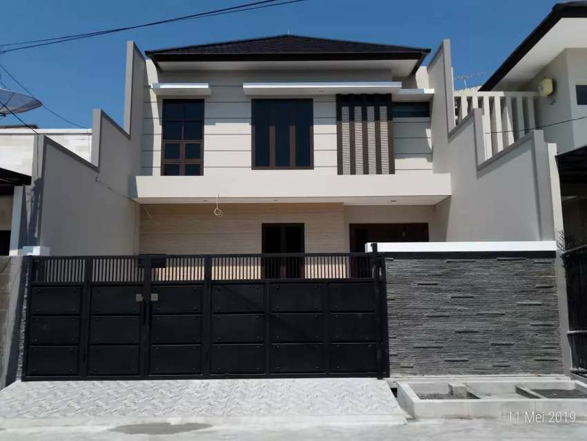 Dijual Rumah 2 Lantai Minimalis Babatan Pantai 0