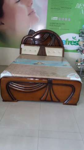 Brand new Wooden Fancy Cot For Sale