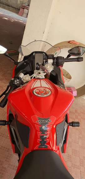 Apache 310 rr brand new condition  2 months old