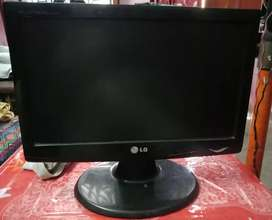 LG  W-1643C, Just 2 years Old