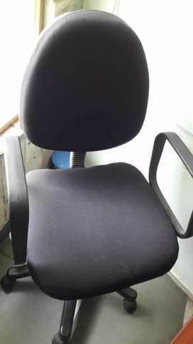 Office Chairs 4 Nos.