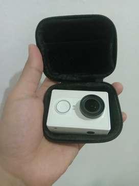 Action Camera Yi Cam Inter Warna Putih mulus mantap