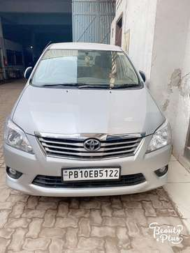 Toyota Silver Innova 2013 Diesel Well Maintained
