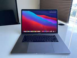 """Apple 15.4"""" MacBook Pro  with Touch Bar Mid 2017, Space Gray"""
