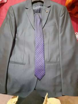3 piece Branded(Van Heusen)Coat pant Size - 30, Neat and Clean