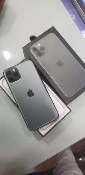 Iphone 11 pro 64gb Midnight Green Just 45 days old.