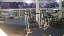 Pura gym ka Saman hai sirf kharidar hi call kare