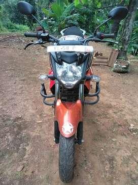 Yamaha fzs 2015