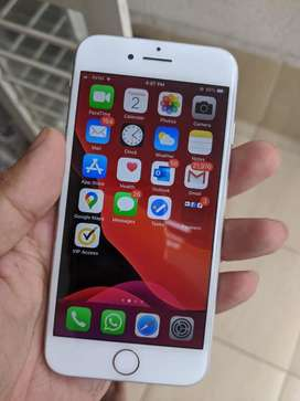 Apple iPhone 8 Silver 64gb Excellent Condition
