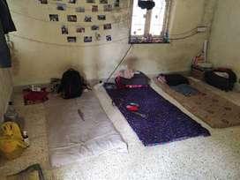 Paud fata erandawne Ungert Want 1male roommate for precious 1bhk