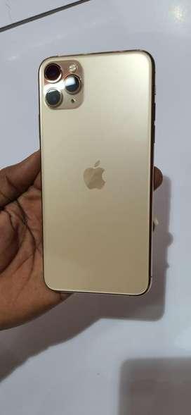 I phone 11 pro max gold colour
