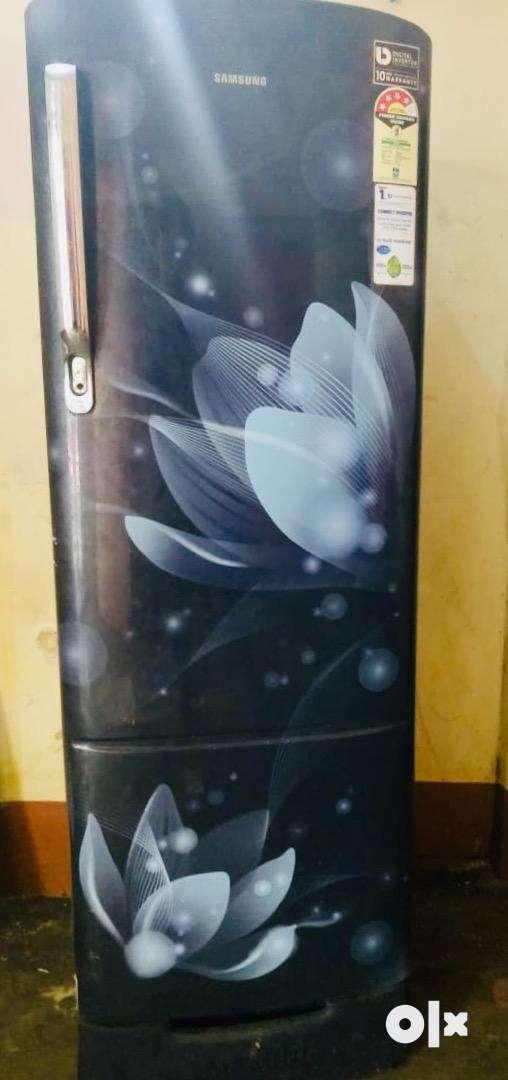 Samsung 240 litre 3 star fridge 0