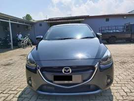 Dijual Mobil Mazda 2 AT Warna Hitam 2015 Skyactive