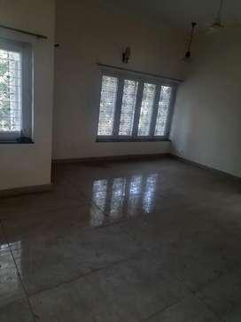 1100sqft space ground floor gms road available near balliwala chok