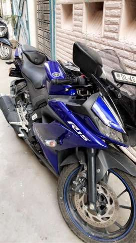 Yamaha R15 v3 Solid condition Only 2700 km driven.