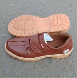 Sepatu Casual kulit Asli Coklat...Siap KIRIM COD