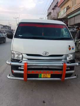 Toyota hiace 214 midroof 2015 registered 2019