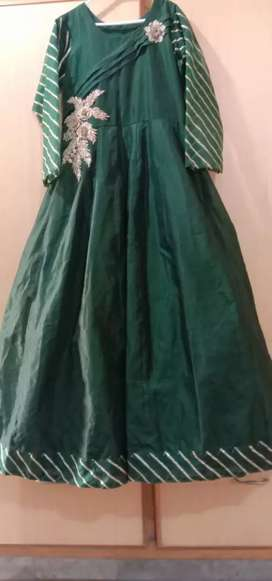Brand new maxci in bottle green colour