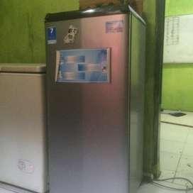 Kulkas 1 pintu kondisi bagus