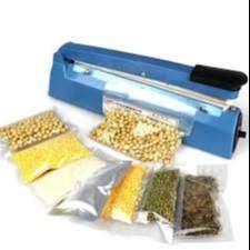 Alat untuk merekatkan plastik dengan menggunakan sistem pemanas