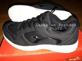 Sepatu Hitam Diadora Original size 36