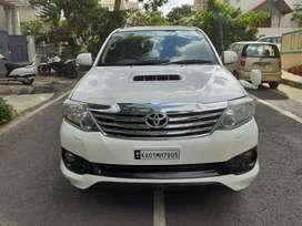 Toyota Fortuner 4x4 Manual Limited Edition, 2012, Diesel