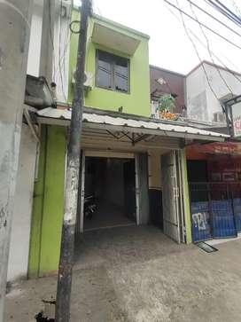 Disewakan/ Dikontrakan Bangunan Ruko 2 Lantai Pinggir jalan utama