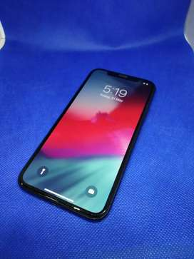 Apple iPhone X 256GB with all accessories great