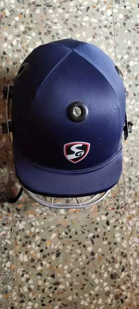 SG brand cricket helmet.m size ,mrp is 1000 and I am selling in 800 rs