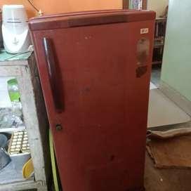 L.G fridge for urgent sale